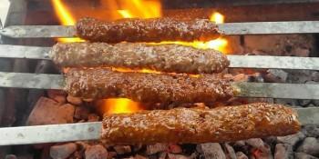 Evde Adana Kebap Nasıl Yapılır?Ev Yapımı Adana Kebap Püf Noktaları